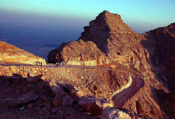 Гора Джебель Хафит на фото